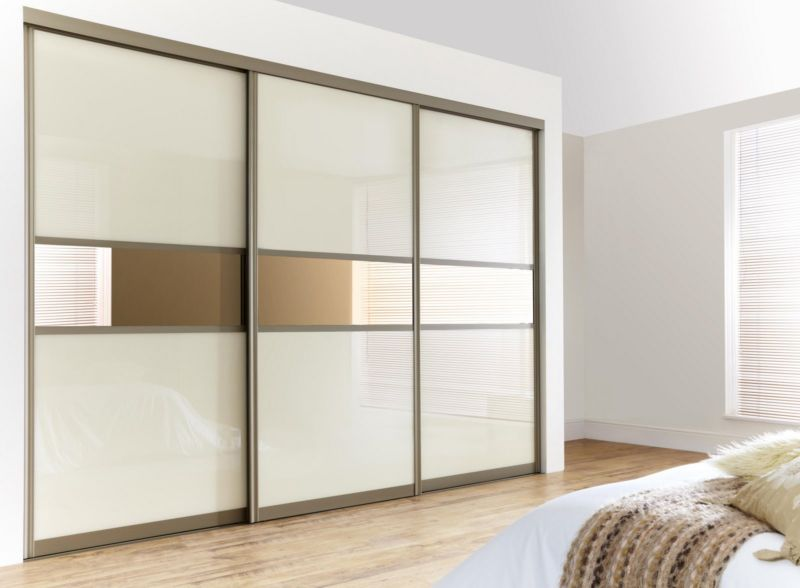 glass-door-walk-in-closet