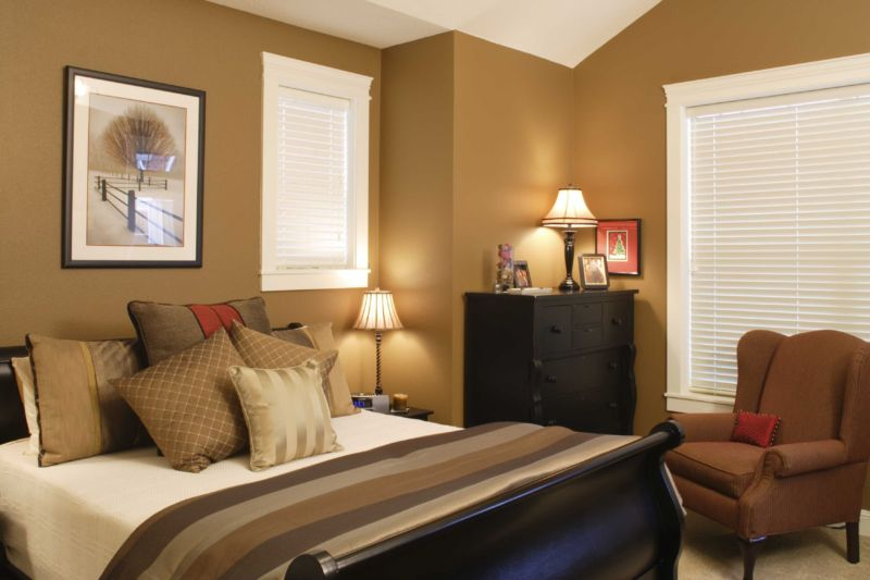 master-bedroom-decorating-ideas-brown-walls45