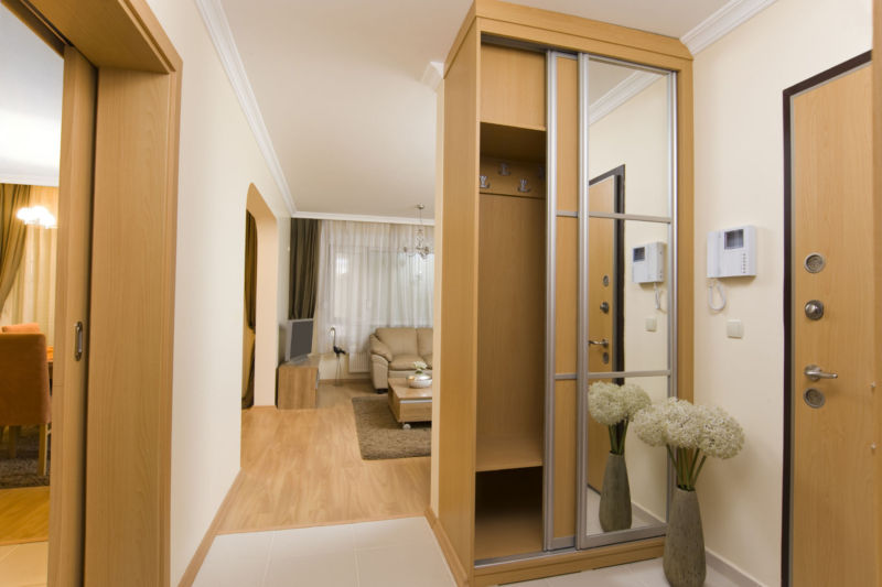 narrow-wardrobe-doors