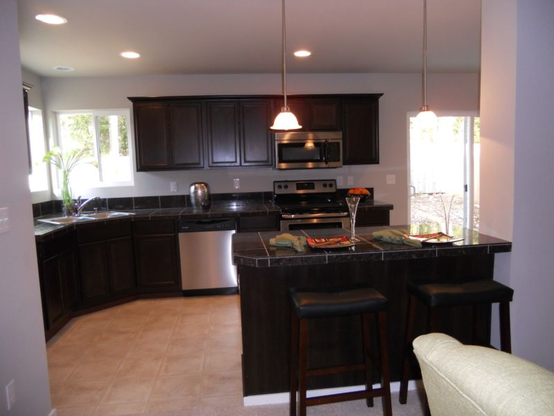new-model-kitchen-design-2-dark-kitchen-cabinets-with-dark-granite-2000-x-1500
