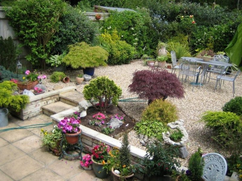 patio-ideas-small-garden-decorating-ideas-for-a-small-garden