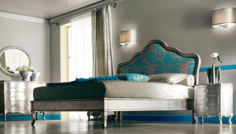plain-brown-wall-colour-mixed-with-turquoise-silver-bedroom-interiors-on-laminate-floor-idea