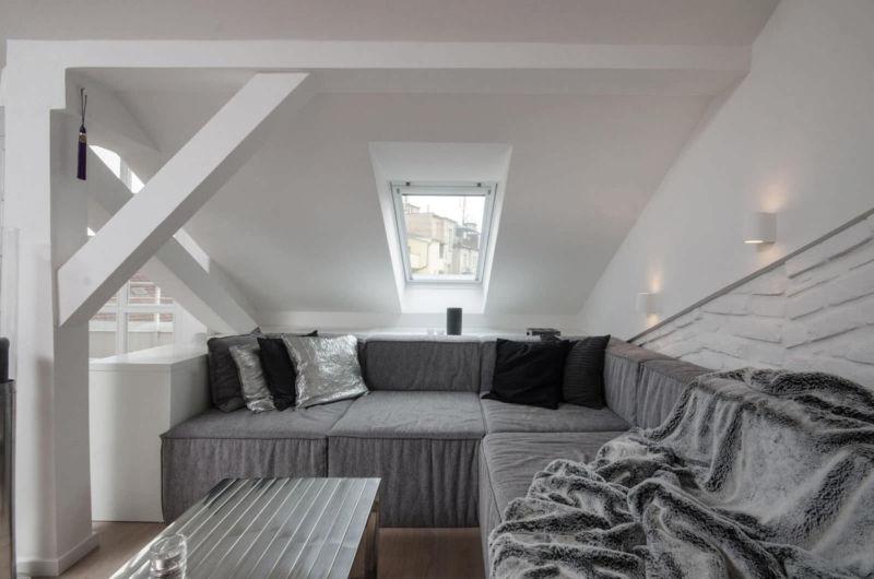 sero-belyj-interer-kvartiry-v-stile-loft10
