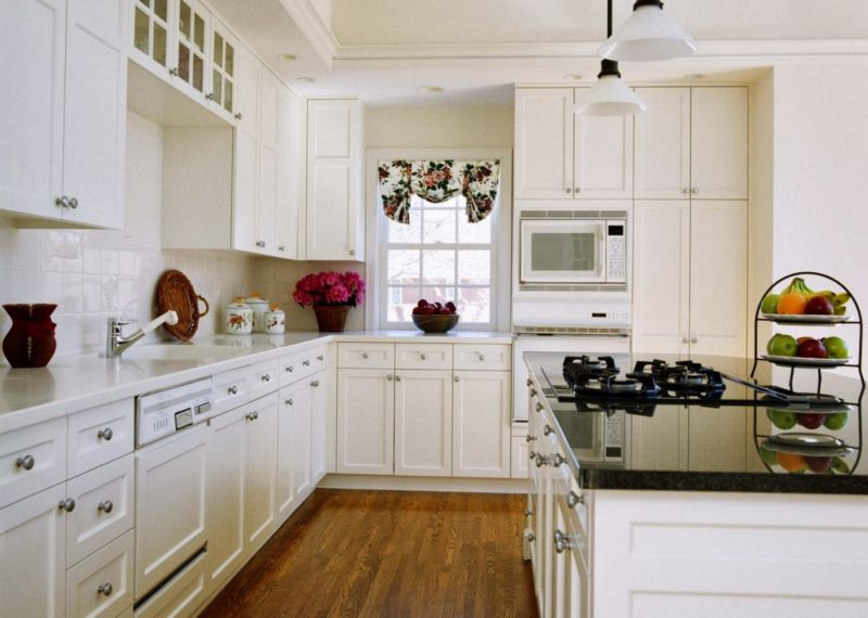 trendy-white-kitchen-02