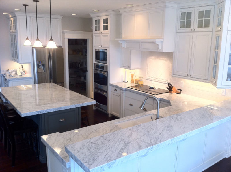 white-kitchens-carrara-marble-standard_07e42375c8ca15ef056d4a9161b03101_wecysws