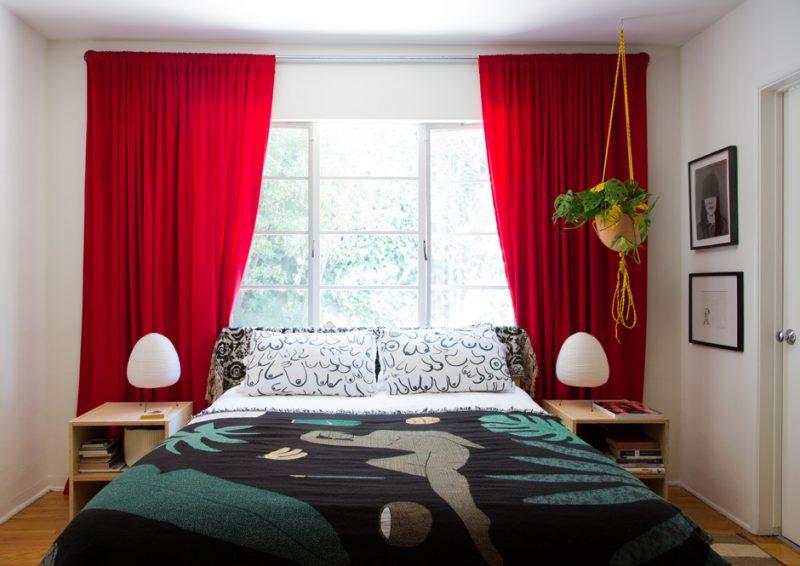 модные шторы в спальню