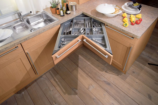 дизайн кухонного гарнитура для маленькой кухни фото