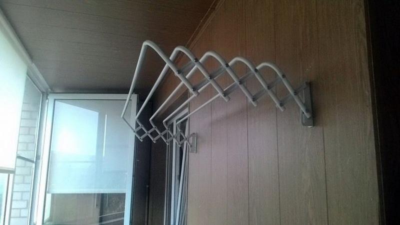 веревки для сушки белья на балконе