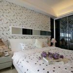 стеклообои для спальни